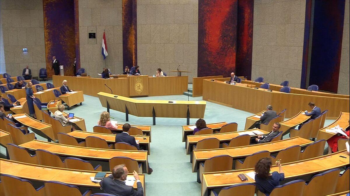Kamer stemt voor einde nertsenfokkerij