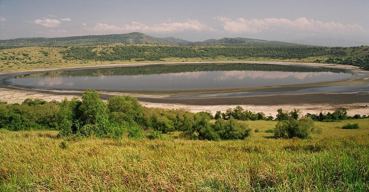 kratermeer Queen Elisabeth National Park Oeganda