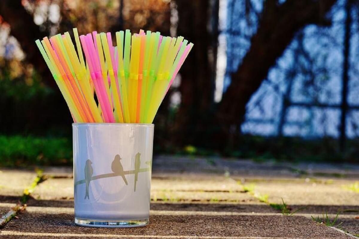 Verbod op plastic voor eenmalig gebruik in Engeland ingegaan