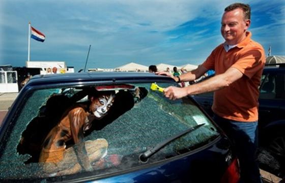 frank dales bevrijdt hond