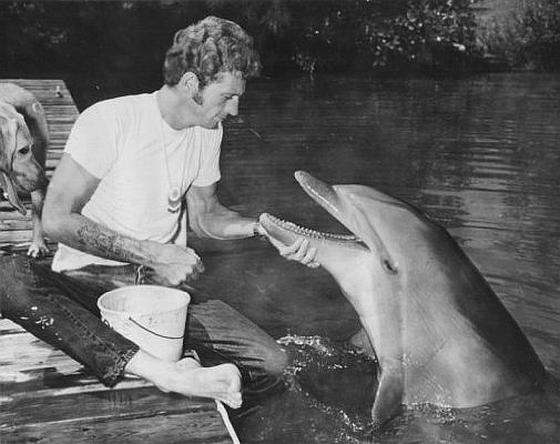 Ric O'Barry met dolfijn