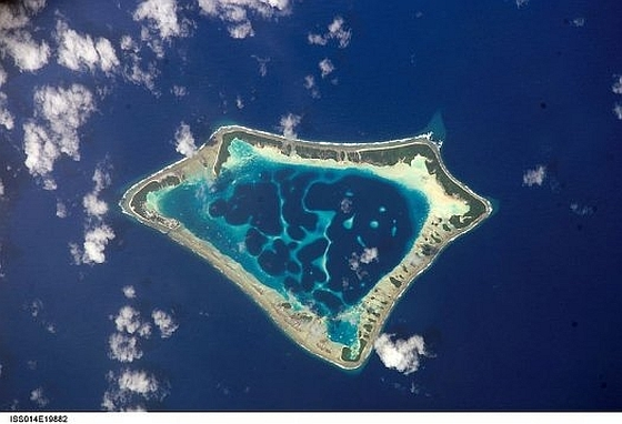 Tokelau - Atafu vanuit de ruimte