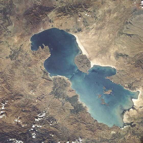 Urmiameer - satellietbeelden